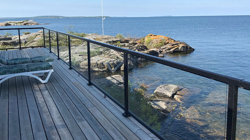 Beautiful Railing on Deck with Large Glass Panel